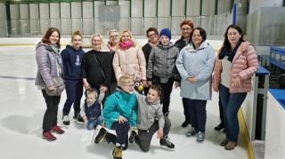 Spotkanie na lodowisku - Obrazek